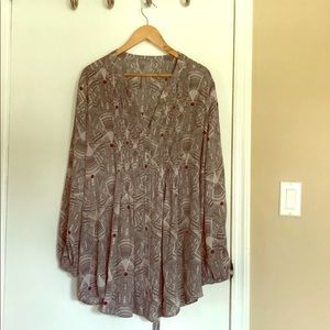 Gorgeous Melissa McCarthy Seven 7 blouse